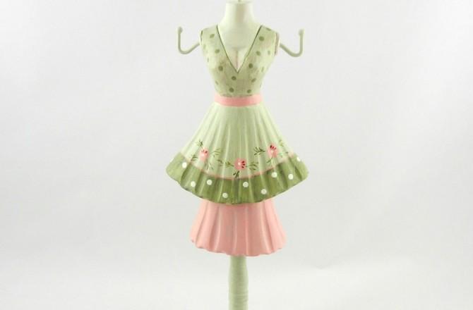 ξύλινο σταντ σε σχήμα φορέματος για κοσμήματα