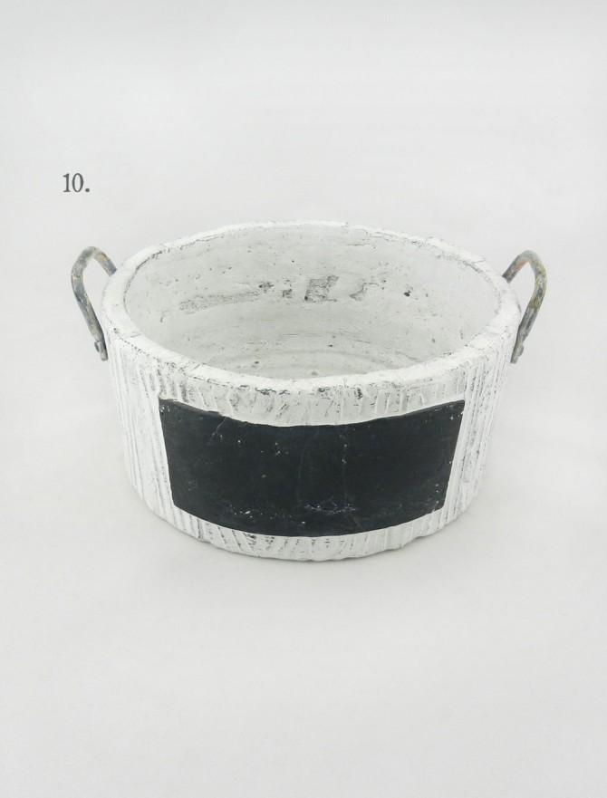 keramiko kaspo me metallikes laves