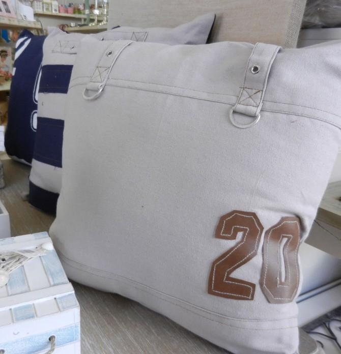 καλοκαιρινά διακοσμητικά μαξιλάρια