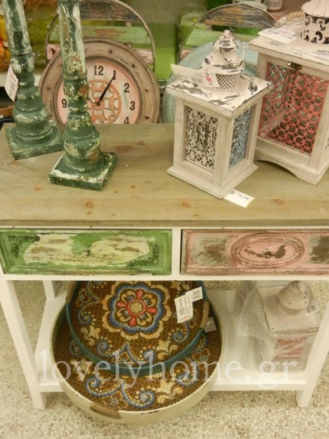Ξύλινα και μεταλλικά αντικείμενα με country διάθεση