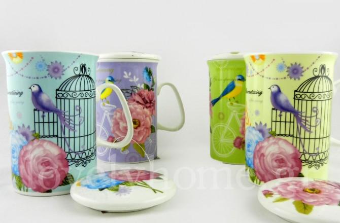 Κούπες από πορσελάνη με ζωγραφισμένα πουλιά