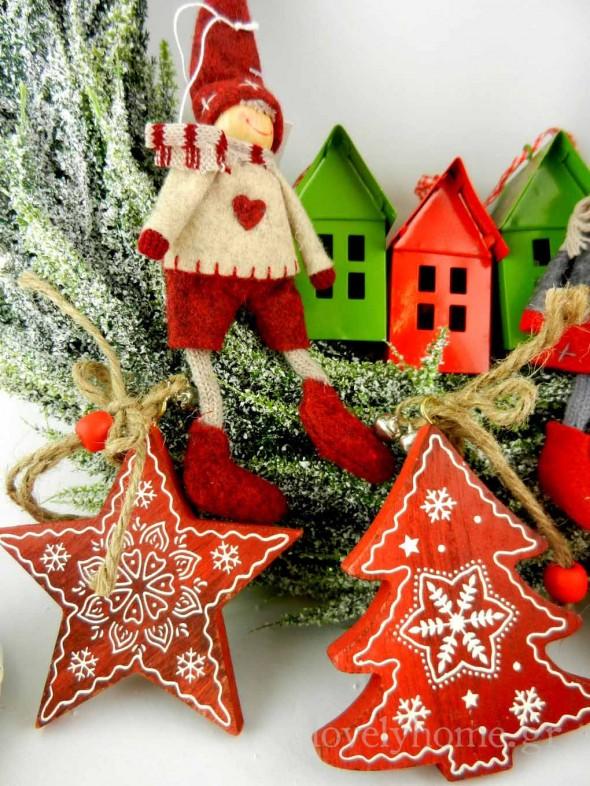 Χριστουγεννιάτικα ξύλινα κρεμαστά στολίδια