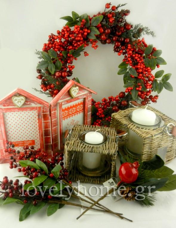 κόκκινος χριστουγεννιάτικος στολισμός