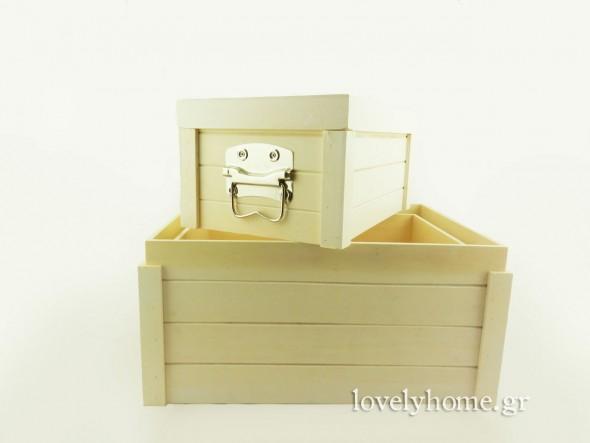 Σετ με 3 ξύλινα κουτιά με καπάκι και μεταλλικές λαβές στο πλάι Κωδ:04104346 Τιμή χωρίς ΦΠΑ 33,79 ευρώ