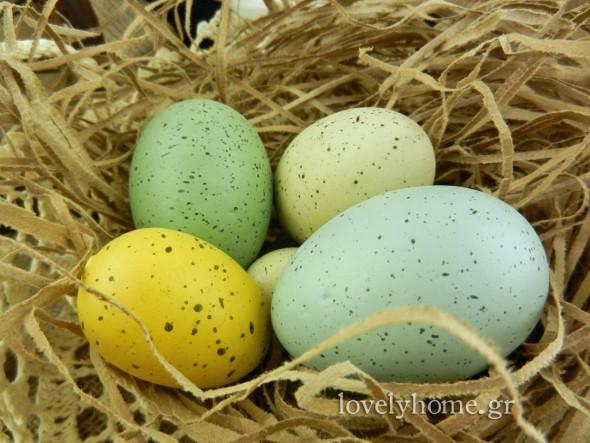 Παστέλ διακοσμητικά αυγά σε σετ των 16 μέσα σε πουγκί 6,49 ευρώ
