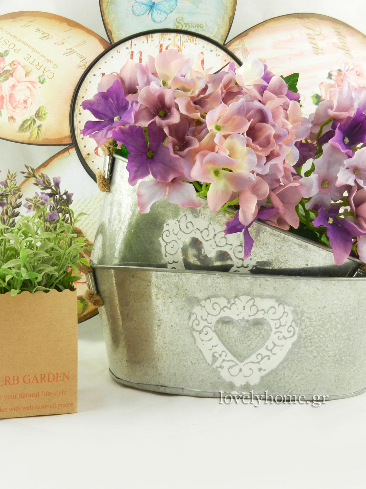 Μεταλλικά κασπώ οβάλ και τεχνητά λουλούδια
