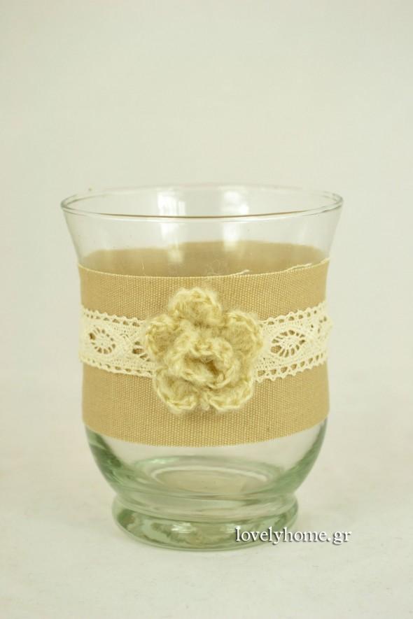Γυάλα για κερί με λινάτσα, δαντέλα και πλεκτό λουλούδι 9x11 εκ. Κωδ:04104999 Τιμή χωρίς ΦΠΑ 2,50 ευρώ