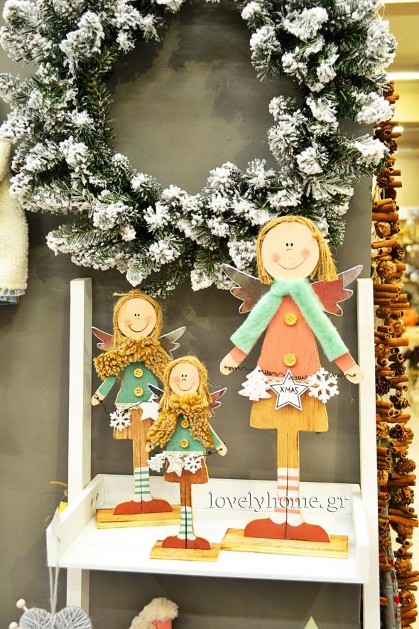 Διακοσμητικά Αγγελάκια και μεγάλη ποικιλία σε χριστουγεννιάτικα στεφάνια