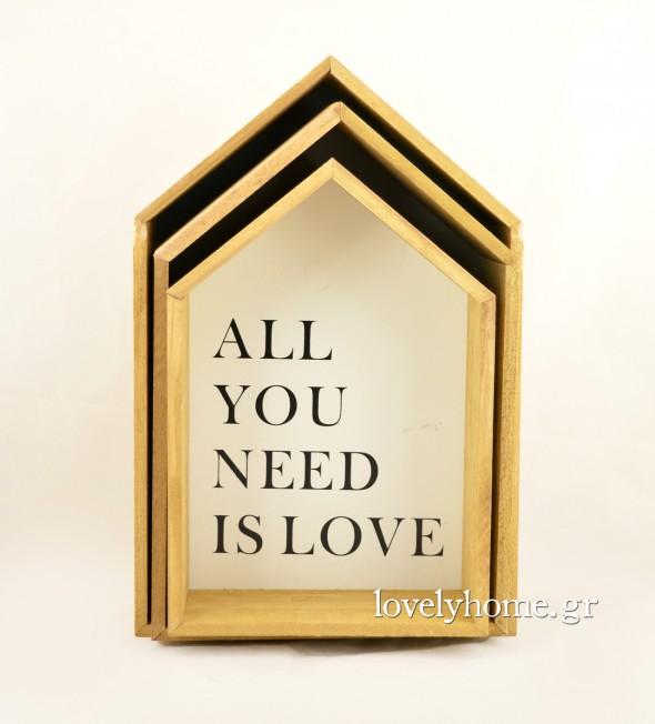 Σετ που αποτελείται από 3 ξύλινα ραφάκια σε σχήμα σπιτιού με κείμενο All you need is love και ακόμα 2 σχέδια Κωδ:04105361 Τιμή χωρίς ΦΠΑ 20,36 ευρώ
