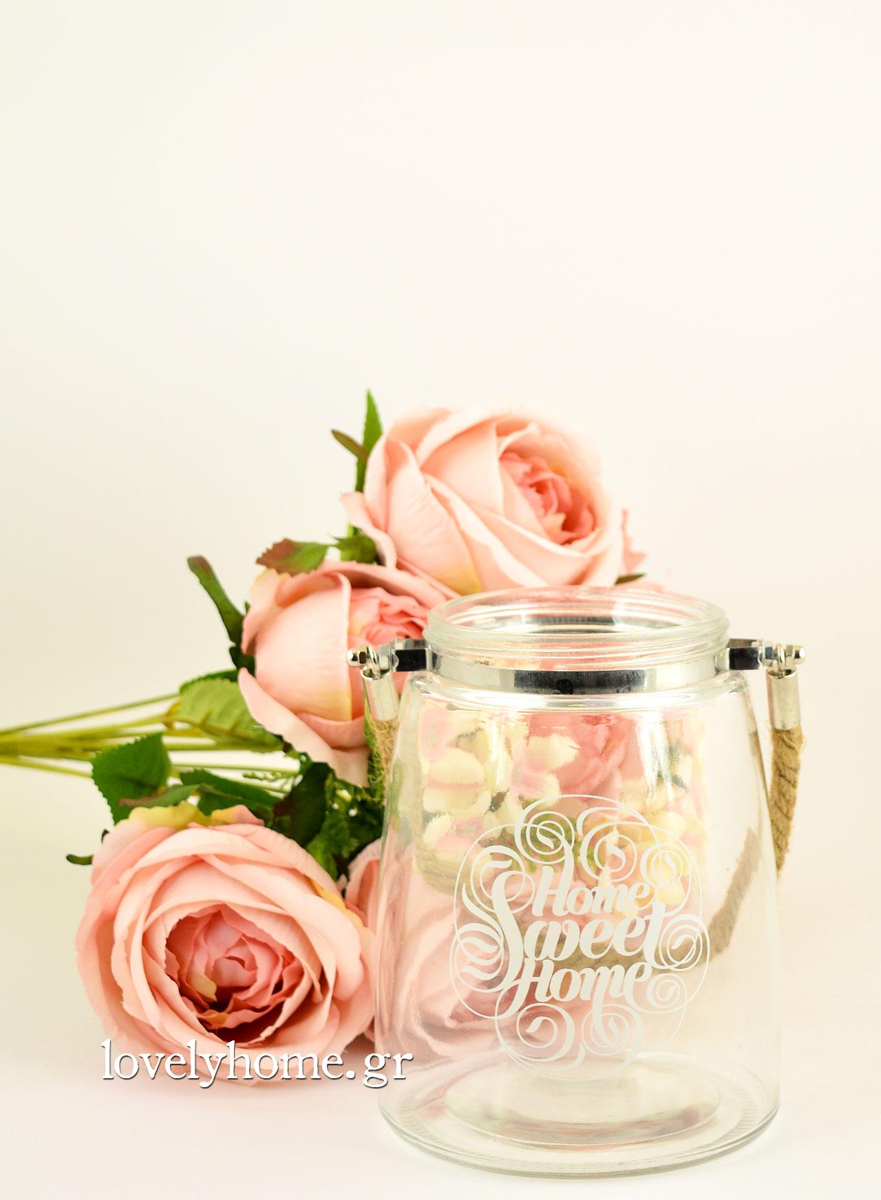 Μπουκέτο με συνθετικά λουλούδια και γυάλινο βάζο φανάρι με χερούλι από τριχιά ναυτικό σχοινί