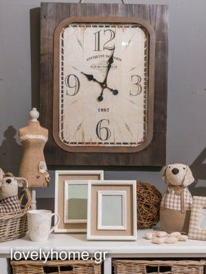 Ρολόϊ τοίχου ξύλινο MDF καφέ χρώμα με τζάμι 55εκ Χ 70εκ Κωδικός: 04106546 Τιμή: 53,76 ευρώ (δεν συμπεριλαμβάνεται ΦΠΑ 24%)