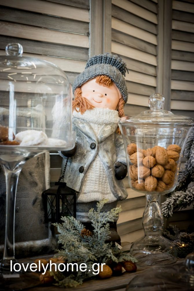 Υπέροχη σειρά σε γυάλες με καπάκι για τα γλυκά των Χριστουγέννων